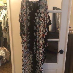 Bcbgmaxaria EUC hi low kaftan dress size xs/s